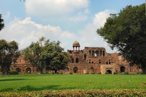 Purana Qila (Old Fort)