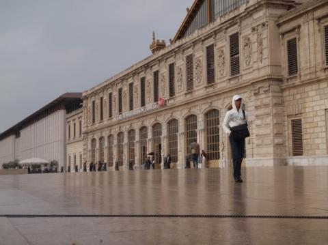 Palais longchamp marseille cityseeker for Appartement design friche gare st charles vieux port