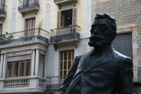 Del Pi and Sant Josep Oriol Squares