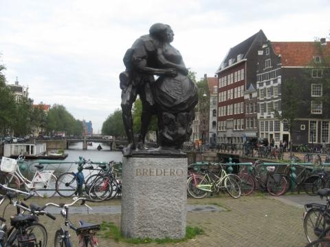 Bredero Statue