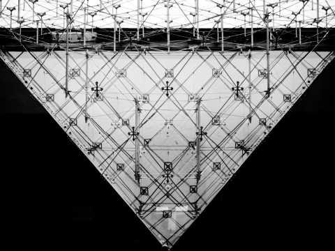 La Pyramide Inversée
