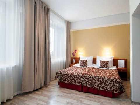 Hotel32