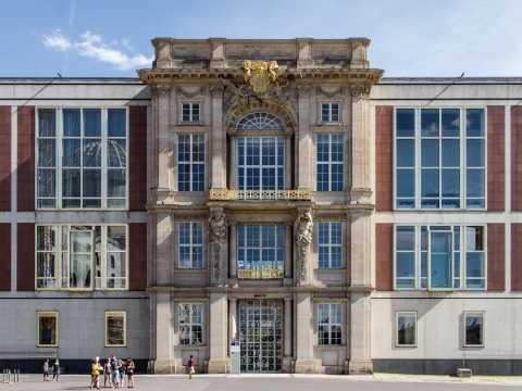 Ehemaliges Staatsratsgebäude am Schlossplatz